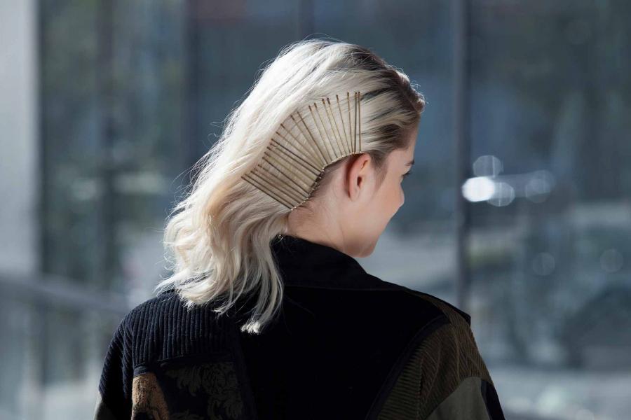 Заколки для волос: модные советы 2021