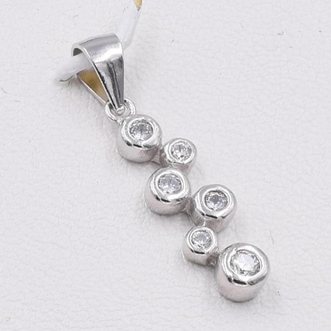 Серебряные серьги размер 13х5 мм вставка белые фианиты вес 1.8 г