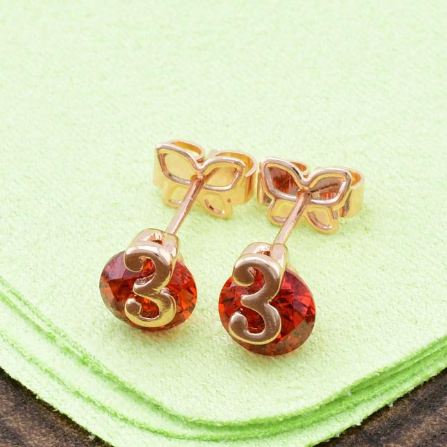Серьги Xuping гвоздики 21070 размер 7х6 мм красные фианиты позолота РО
