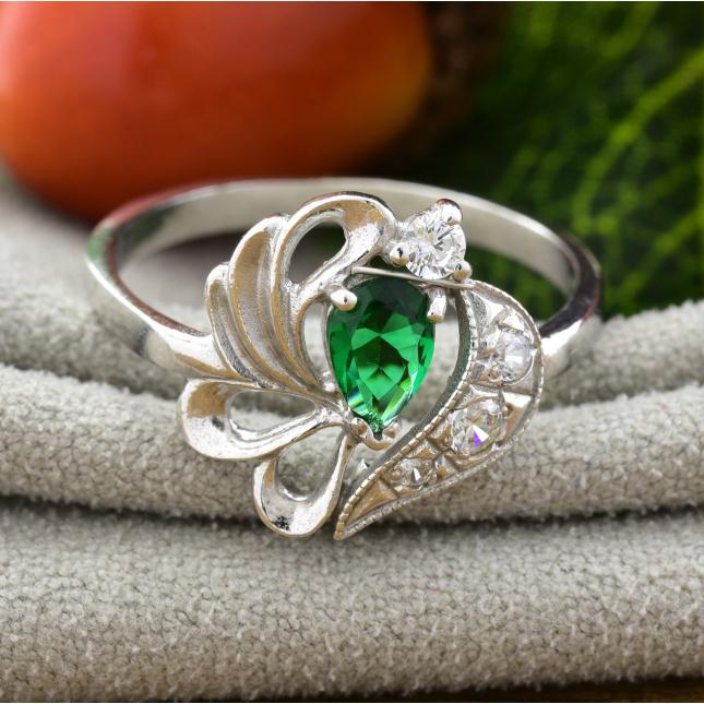 Кольцо серебряное женское П1068 вставка зелёный фианит