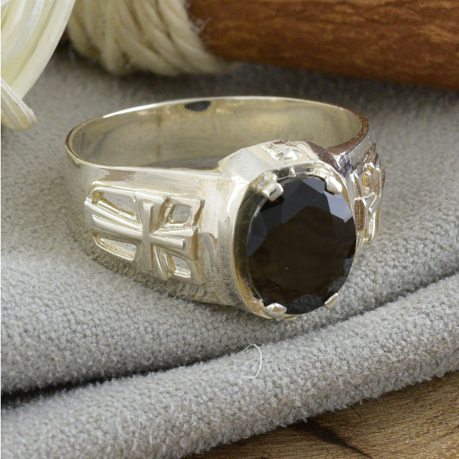 Серебряная печатка Барс черный фианит