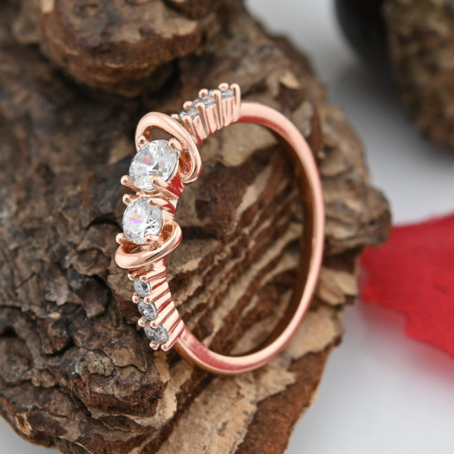 Каблучка Xuping 15109 ширина 6 мм білі фіаніти позолота РО