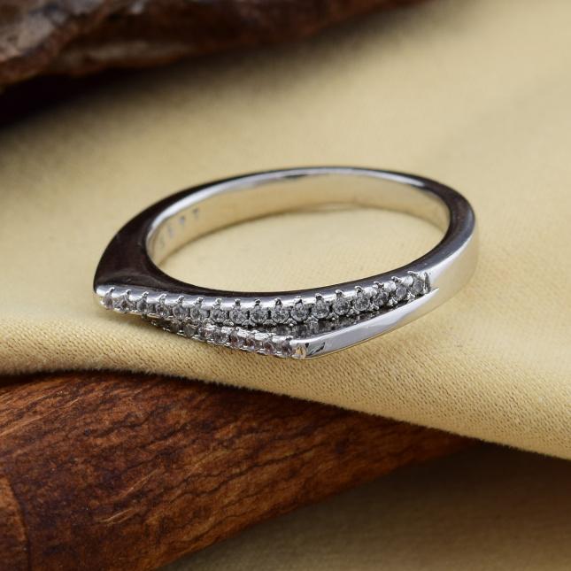Кольцо Xuping 14388 ширина 2 мм белые фианиты позолота БЗ