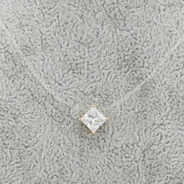Силиконовый шнурок Xuping с кулоном 51777 размеры кулона 7х7 мм белые фианиты позолота