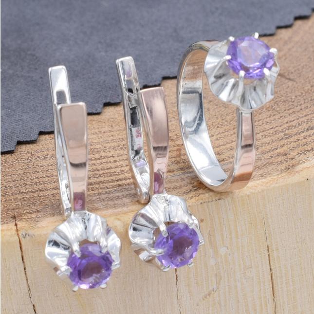 Срібний набір з натуральними аметистами кільце розмір 18 + сережки 24х9 вставка натуральний аметист