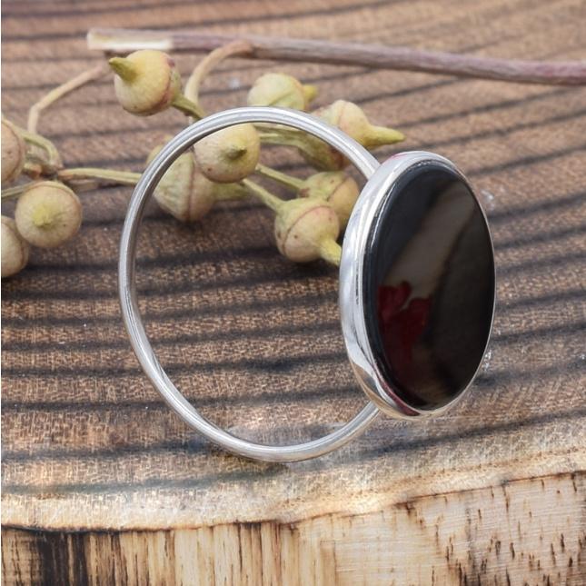 Кольцо серебряное женское размер 19 вставка черный оникс вес 2 г