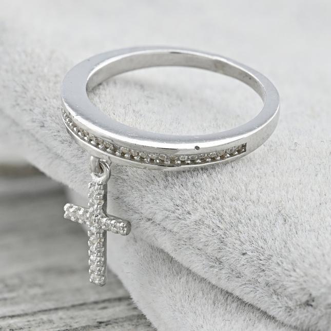 Каблучка срібна жіноча ТК9747р19расп криво вставлений камінь розмір 19 вставка білі фіаніти вага 2.6 г