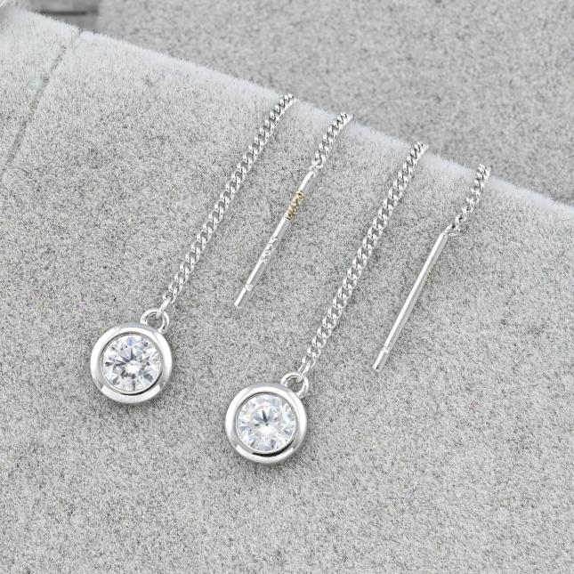 Срібні сережки протяжки розмір 58х6 мм білі фіаніти вага 1.5 г